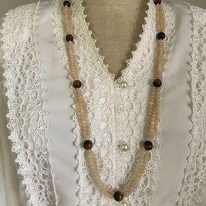 Vintage beaded necklace cream brown